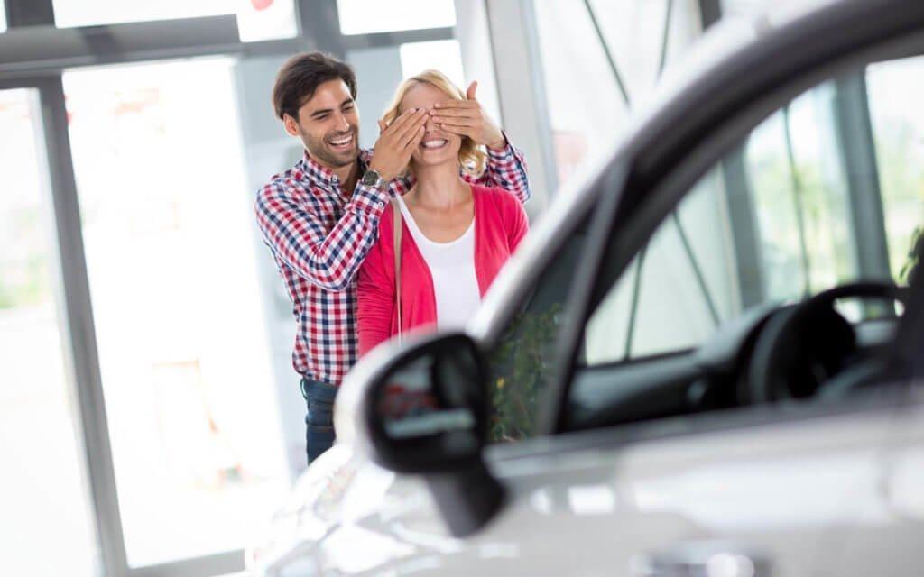 Как подарить автомобиль близкому родственнику?