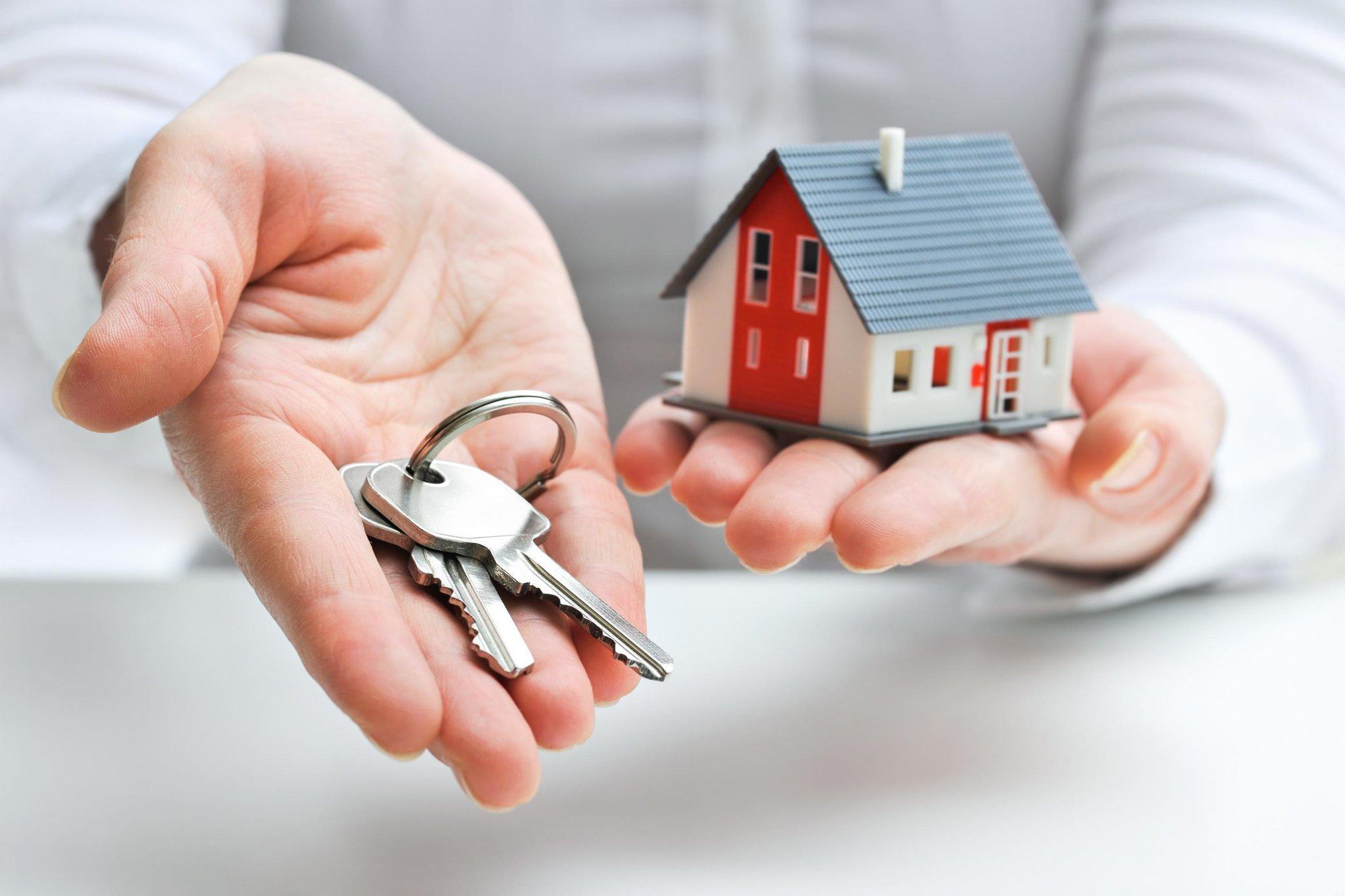 Договор дарения недвижимости между родственниками - особенности оформления