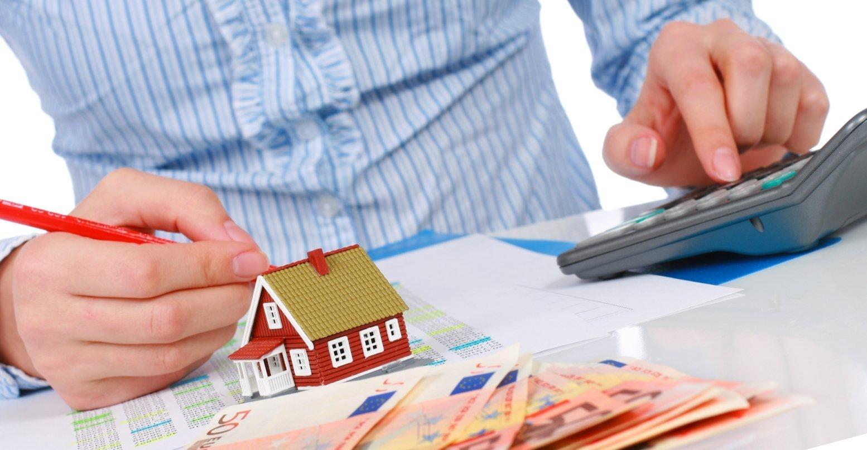 Облагаются ли налогом подарки в виде недвижимости в России